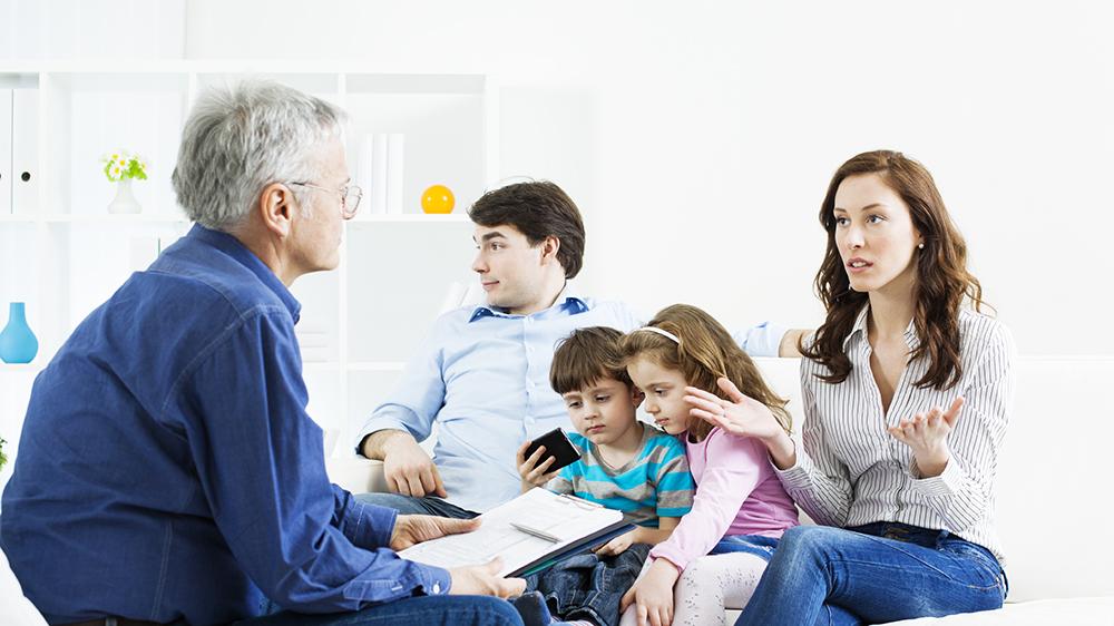 консультант по семейным вопросам